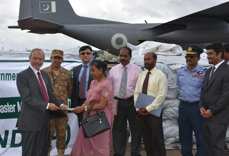 Pakistan hands over 2nd Consignment of Relief Good for Lankan Flood Victims