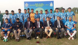 Group Photo of Chief Guest with Players