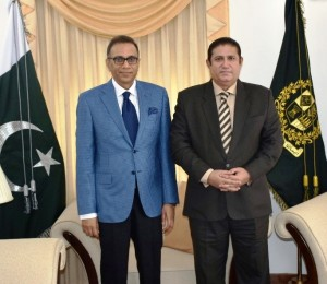 Acting High Commissioner Dr. Sarfraz Sipra with President SAARCLAW Mr. Mehmood Y. Mandviwalla