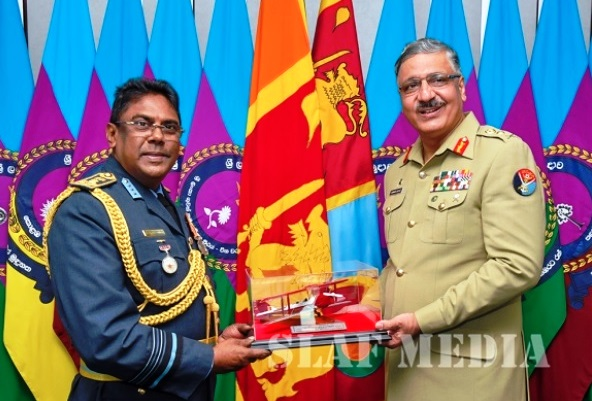 Pakistan's Chairman Joint Chiefs of Staff Committee met with Commander Sri Lanka Air Force