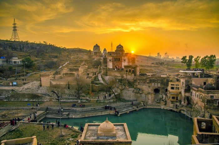 Katas Raj Temples, Chakwal